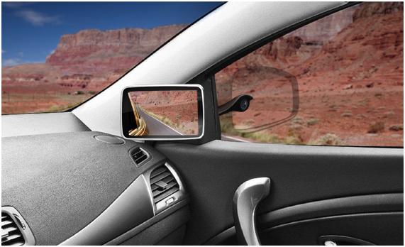 Una cámara plenóptica, en el exterior, y un monitor para visionar las imágenes, en el interior, forman parte de este novedoso sistema que permite al conductor mayor información.